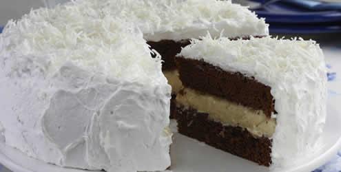 Bolo de chocolate com recheio de trufa de coco