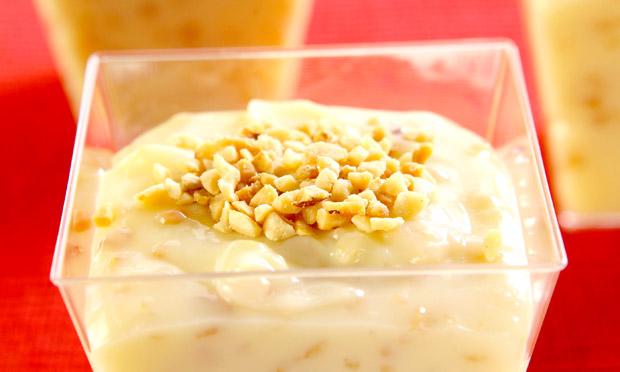 Brigadeiro branco de colher com amendoim