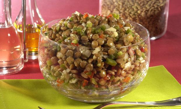 Salada morna de lentilha