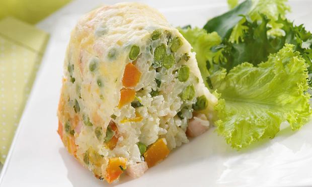 Arroz de forno com queijo e legumes