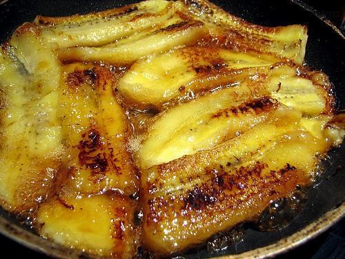 Banana frita com leite condesado