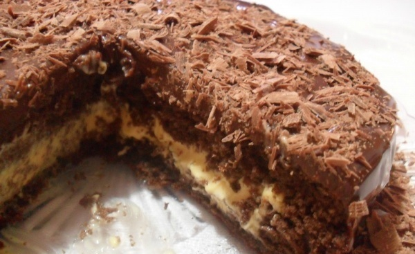 Bolo-de-chocolate-e-mousse-de-maracuja-3