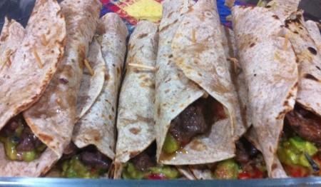 burritos-com-guacamole-e-carne-f8-114284