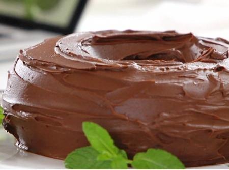 bolo-de-chocolate-com-calda-de-ganache-da-rita-lobo-f8-114910