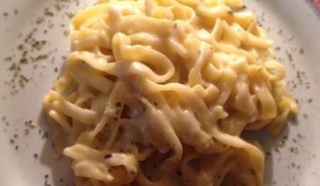 talharim-ao-molho-de-queijo-meia-cura-f8-114809