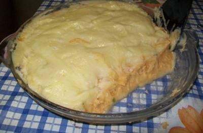 Torta de purê de batata recheada