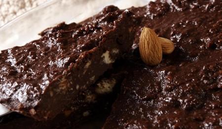 bolo-de-chocolate-com-amendoas-f8-7933