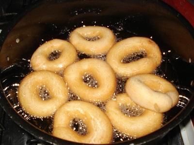 Biscoito-frito-áçucarado