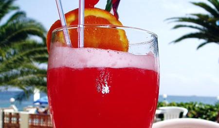 coquetel-de-frutas-com-vodka-f8-11512