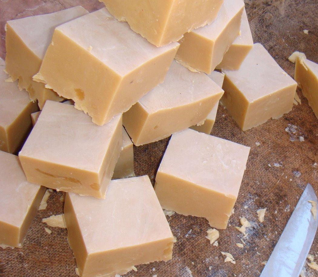 Recicle óleo de cozinha fazendo sabão caseiro!
