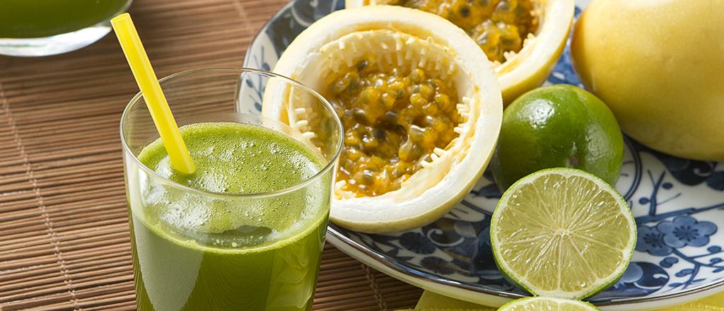 Suco verde emagrecedor com maracujá