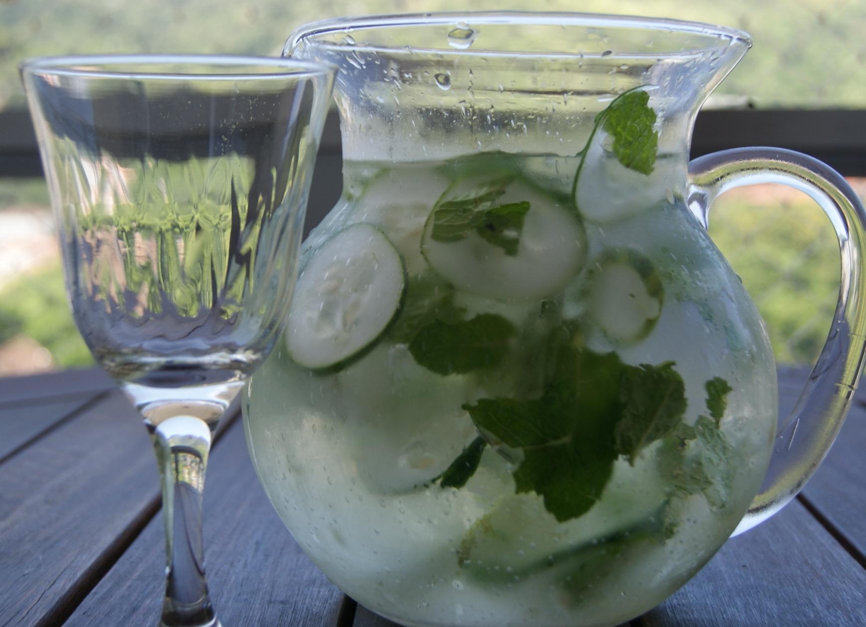 agua-limao-gengibre-pepino-reduz-peso-barriga-emagrecer-3