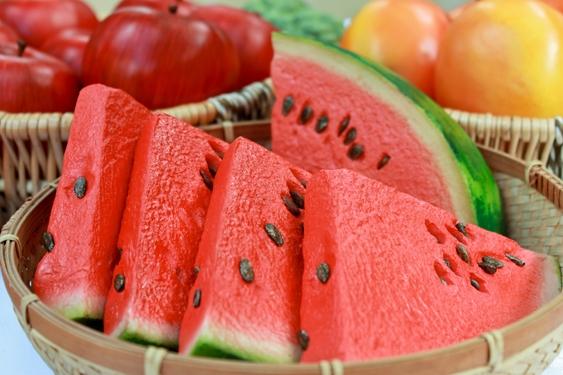 5 motivos pelos quais você deveria comer melancia todos os dias