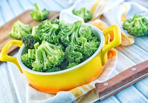 Qual-é-a-maneira-correta-de-comer-brócoli-para-aprovechar-sus-nutrientes-500×349-500×349