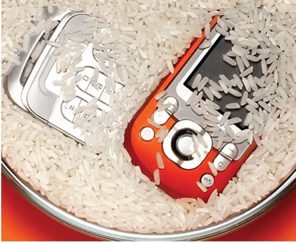 arroz-ajuda-resgatar-aparelhos-eletronicos-molhados