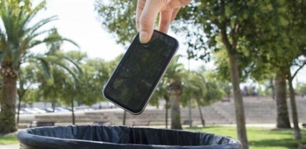 quatro-dicas-sobre-o-que-fazer-com-seu-celular-velho-1435446861292_615x300