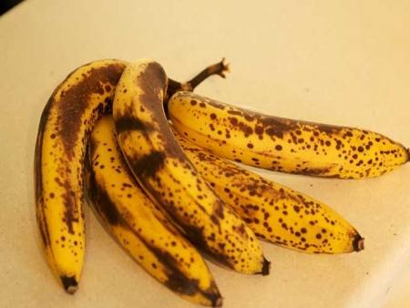 2015-08-10-14-15-37-acontece_comer_bananas_maduras