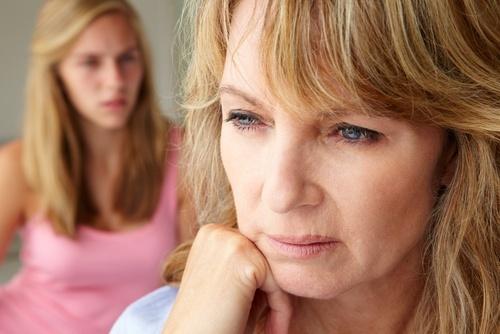 8-coisas-que-nao-lhe-dizem-sobre-a-menopausa-500×334