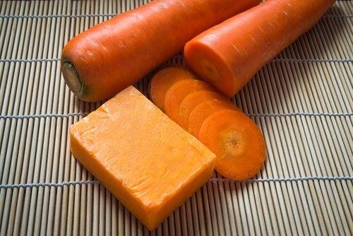 Como-fazer-sabonete-caseiro-de-cenoura-para-cuidar-da-pele-500x334-500x334