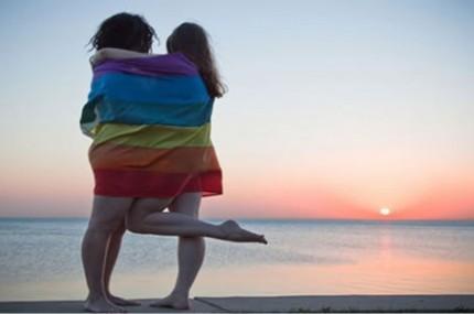 Como-alguém-se-torna-gay-430x285