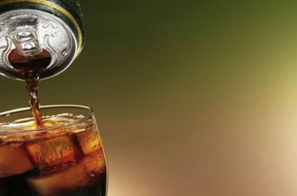 Máquina-latinha-garrafa-pet-ou-garrafinha-de-vidro-onde-o-refrigerante-é-mais-gostoso-430×285