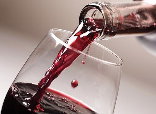 beber-vinho-500×365