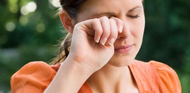 cuidado-com-alergia-esmaltes-610×300