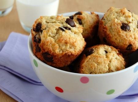 muffins-de-banana-coco-e-chocolate-f8-15686