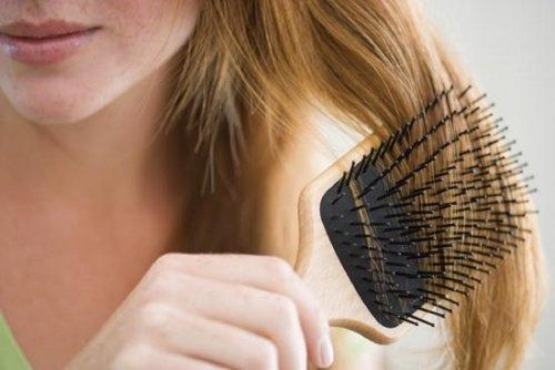 como-frear-queda-de-cabelo-500x334
