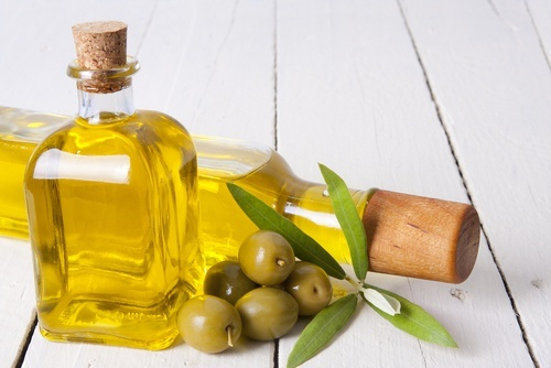 10-remedios-caseiros-com-azeite-de-oliva-que-voce-nao-conhecia-500x334-500x334