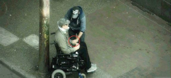aaalarge_policial-cadeirante