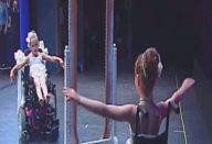large_menina-bailarina-cadeira-de-rodas
