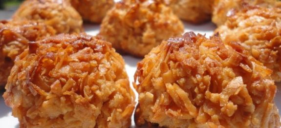 93352ef0e5736377783440680f295517–coconut-macaroons-sweets-recipe