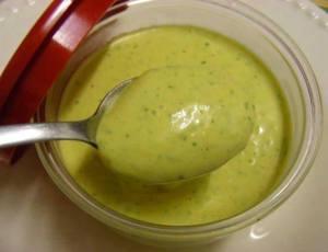 Molho verde para sanduiches e saladas