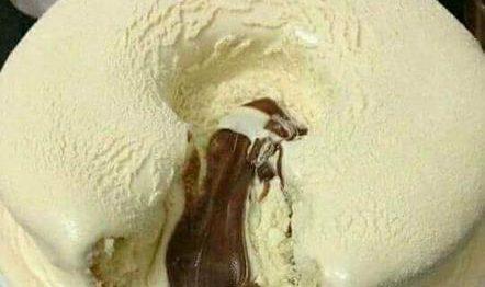 Bolo Vulcão de chocolate com Ninho