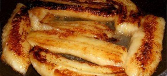 Aprenda a fazer a deliciosa e simples BANANA FLAMBADA! Esta delícia é super fácil de fazer e vai impressionar no sabor! Sirva acompanha de um bola de sorvete de creme e bom apetite!