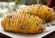 Batata fatiada ao forno incrivelmente gostosa