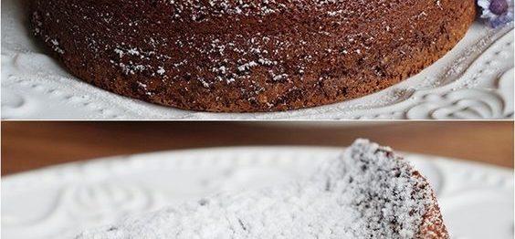 Bolo de chocolate com 2 ingredientes