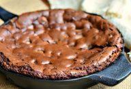 Brownie de tapioca feito na frigideira