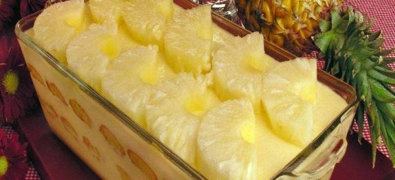 Pavê prático de abacaxi
