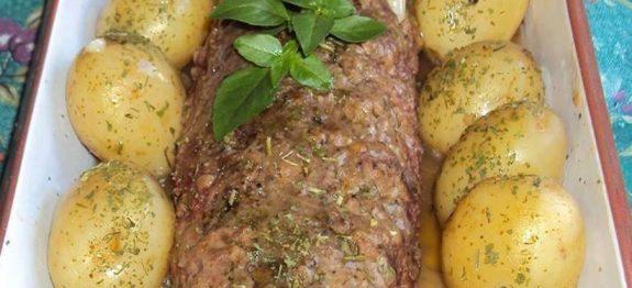 Rocambole de carne moída com batata
