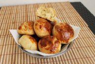 Veja como é fácil fazer esse pão de batata super saboroso