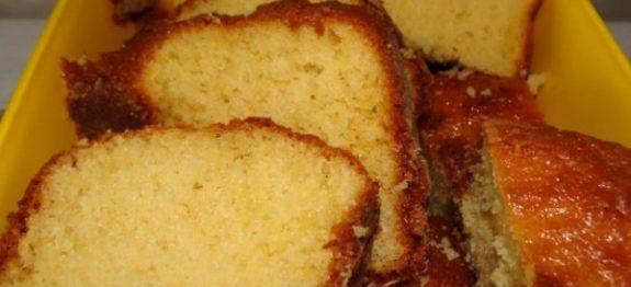 bolo-simples-e-umido