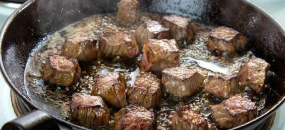 frigideira-fritura-carne-0817-1400×800