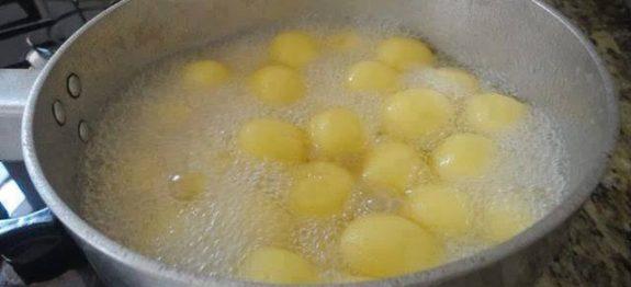 Doce de queijo na calda