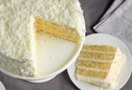 King-Arthur-Coconut-cake-1024×683
