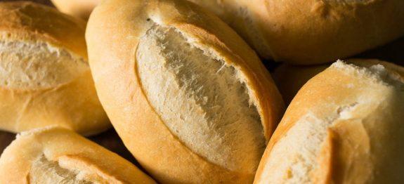 Veja como é fácil fazer um pão francês em casa