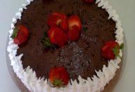 bolo-de-chocolate-facil-para-aniversario