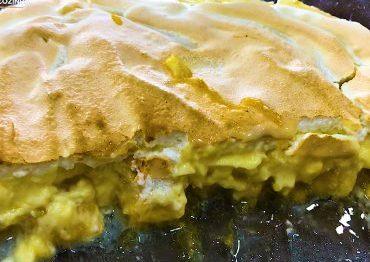 torta-de-banana-simples-com-suspiro-370×297