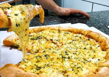 pizza-6-queijos-borda-recheada-370×297